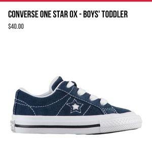 Boys Converse EUC 5.5  blue in box